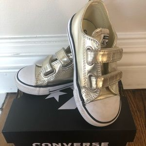 Toddler girls converse sneakers size 9